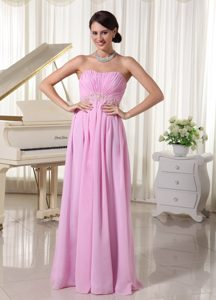 Sweet Baby Pink Chiffon Ruched Sweetheart Homecoming Dress with Appliques