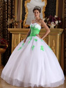 Stylish White and Spring Green Quinceanera Dresses with Appliques