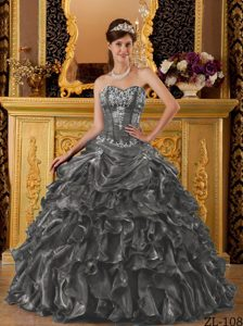 Must-have Dark Gray Sweetheart Quinceaneras Dresses with Ruffles