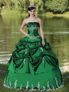 Vintage Strapless Embroidered Green Quinceanera Gown Dress
