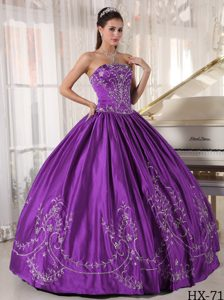 Elegant Strapless Embroidered Purple Quinceanera Gown Dress