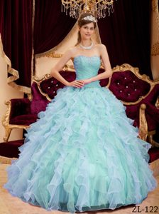 Light Blue Sweetheart Pretty Dresses for a Quinceanera with Beading