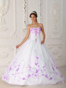 White Strapless Quinceanera Dresses with Embroidery