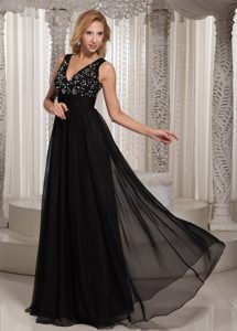 Custom Made Black Beaded V-neck Long Chiffon Prom Dresses for Women