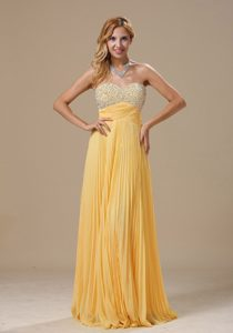 Yellow Long Sweetheart Chiffon Night Club Dresses with Pleats and Beading