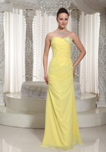 Chiffon Yellow Sweetheart Birthday Party Dresses with Ruche and Beading