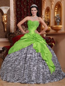 Sweetheart Green and Zebra Quinceanera Dresses with Beading and Flowers