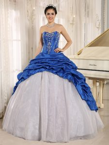 Embroidery Sweetheart Sweet Sixteen Quinceanera Dresses in Blue and White