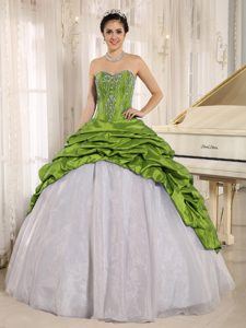 Luxurious Spring Green and White Quinceanera Dress with Embroider and Pick-ups