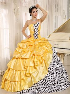 Popular Multi-color Ruffled Strapless Quinceanera Dresses with Bead and Pick-ups