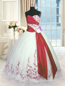 Sweetheart Sleeveless Lace Up Sweet 16 Quinceanera Dress White And Red Organza