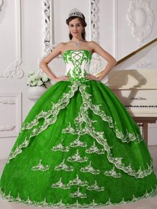 Cheap Spring Green and White Strapless Ball Gown Quinceanera Dress with Appliques