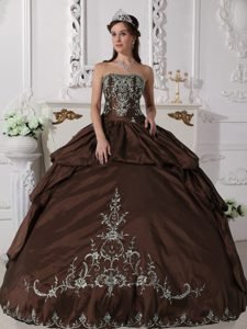 Chocolate Strapless Quinceanera Gown Dresses with Pick-ups and Embroideries