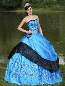 Lovely Aqua Blue Formal Quinceanera Dresses with Embroidery