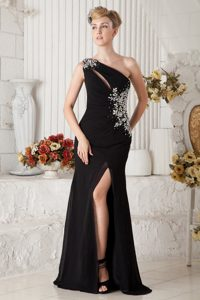 Modern One Shoulder Slitted Black Chiffon Prom Dress with Rhinestones
