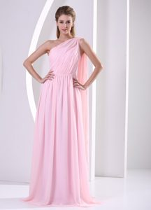 Discount One Shoulder Pink Prom Court Dresses with Ruches and Watteau Train