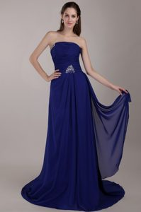 Beading Chiffon Prom Court Dresses with Strapless and Ruches in Dark Blue