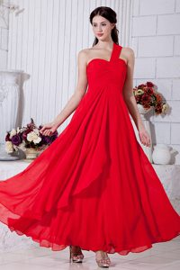 Ankle-length Ruched Chiffon Senior Prom in Red with Ruches in the Mainstream