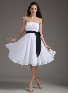 Chiffon White Empire Strapless Knee-length Prom Dress with Ruche and Black Sash
