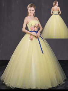 Deluxe Yellow Sleeveless Floor Length Appliques Lace Up Quinceanera Gowns